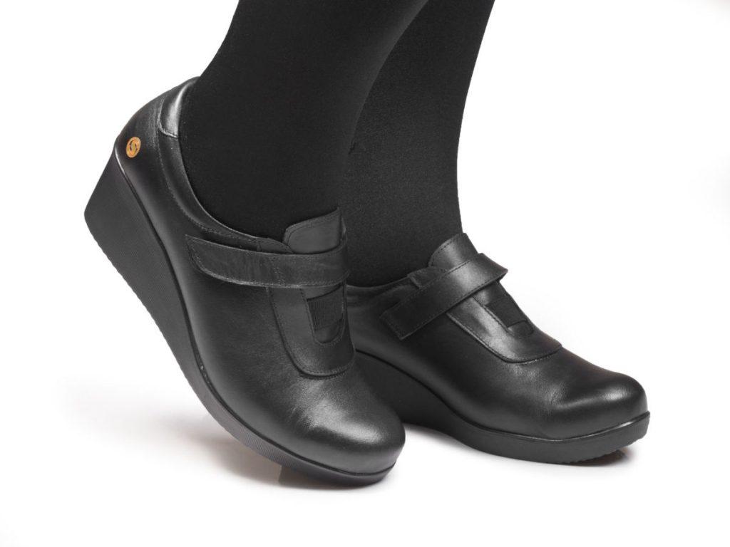 تمیز کردن کفش لژدار حصیری یا پارچه ای