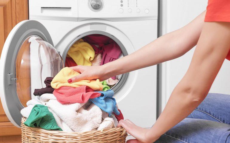 شستن لباس با لباسشویی